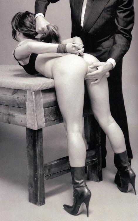 Contrat de soumission (contrat BDSM)